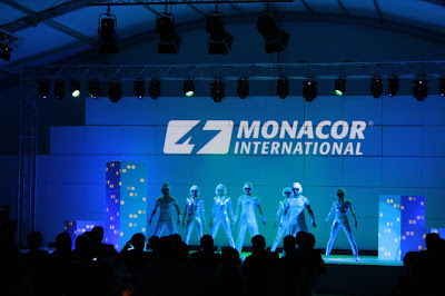 Visual Movers with video mapping performance for Monacor